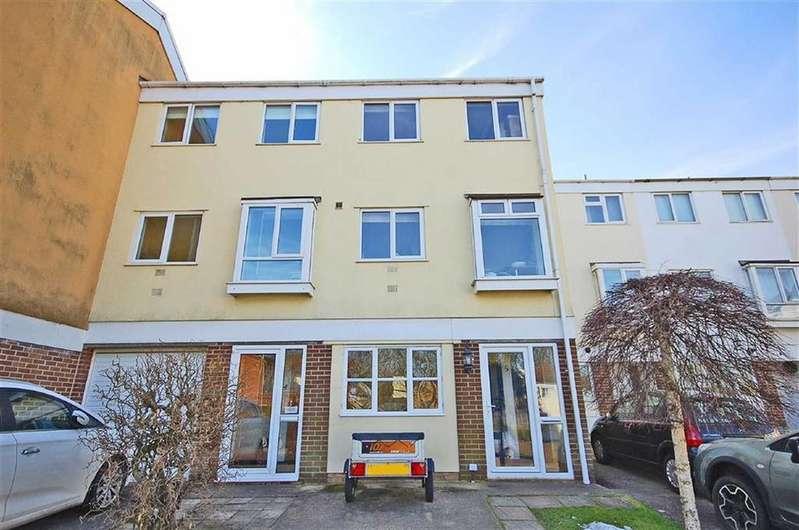 5 Bedrooms Terraced House for sale in Brook Vale, Charlton Kings, Cheltenham, GL52