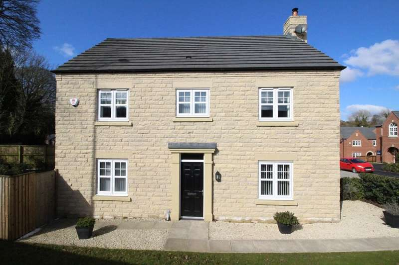 4 Bedrooms Detached House for sale in Davenshaw Drive, Congleton, CW12