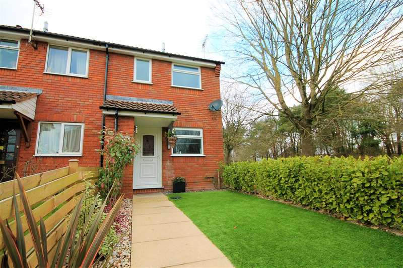 2 Bedrooms Semi Detached House for sale in Mapperton Close, Poole