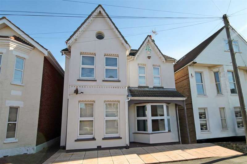 4 Bedrooms Detached House for sale in Portman Road, Bournemouth
