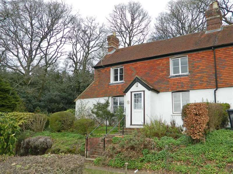 3 Bedrooms Semi Detached House for sale in Lovehill Cottage, Trotton, Petersfield