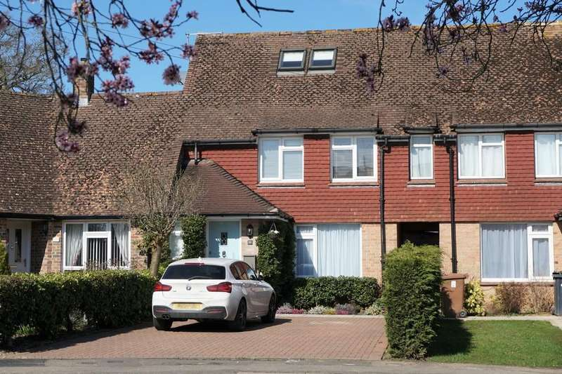 3 Bedrooms Terraced House for sale in Spiceall, Compton, Guildford GU3 1JQ