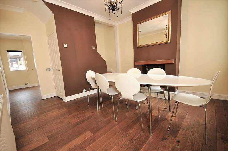 4 Bedrooms End Of Terrace House for sale in Marlborough Road, Chelmsford