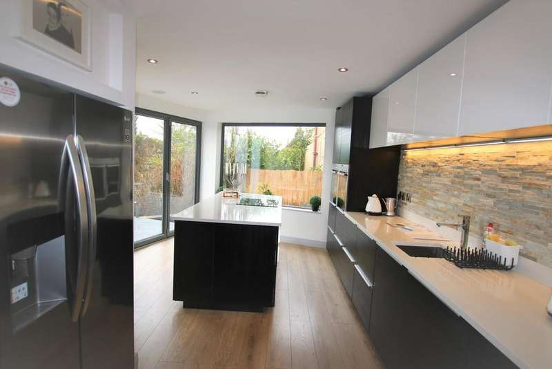 4 Bedrooms Detached House for sale in Knowsley Road West, Clayton le Dale