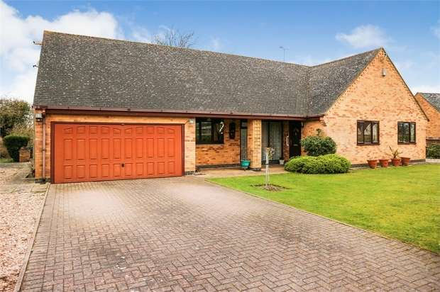 4 Bedrooms Detached Bungalow for sale in Oxford Road, Ryton on Dunsmore, Coventry, Warwickshire