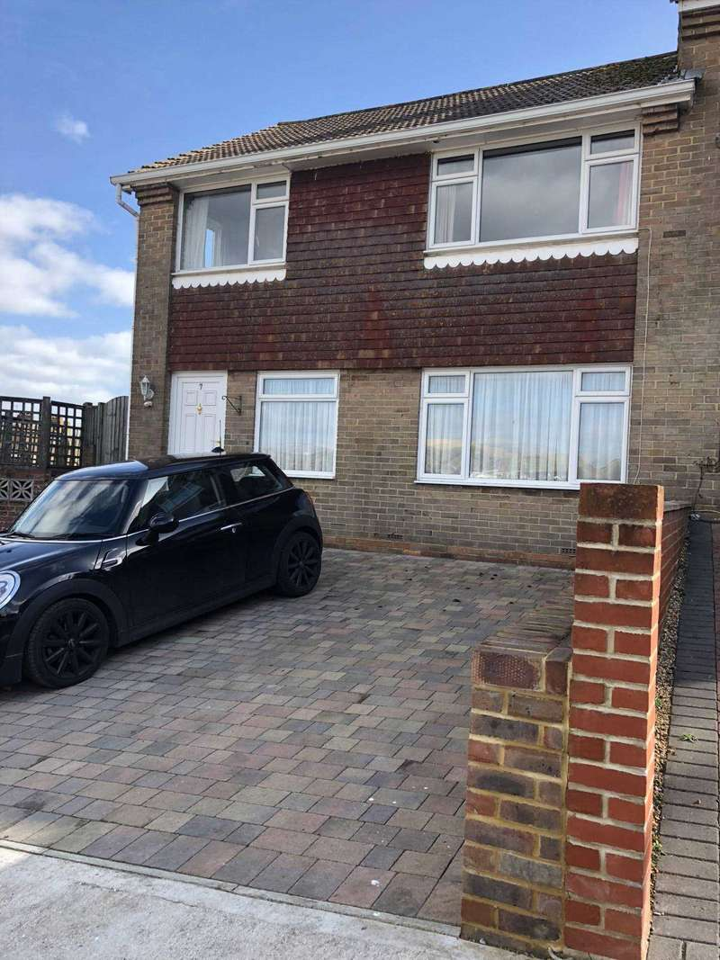 3 Bedrooms Semi Detached House for sale in Southon Close, Brighton
