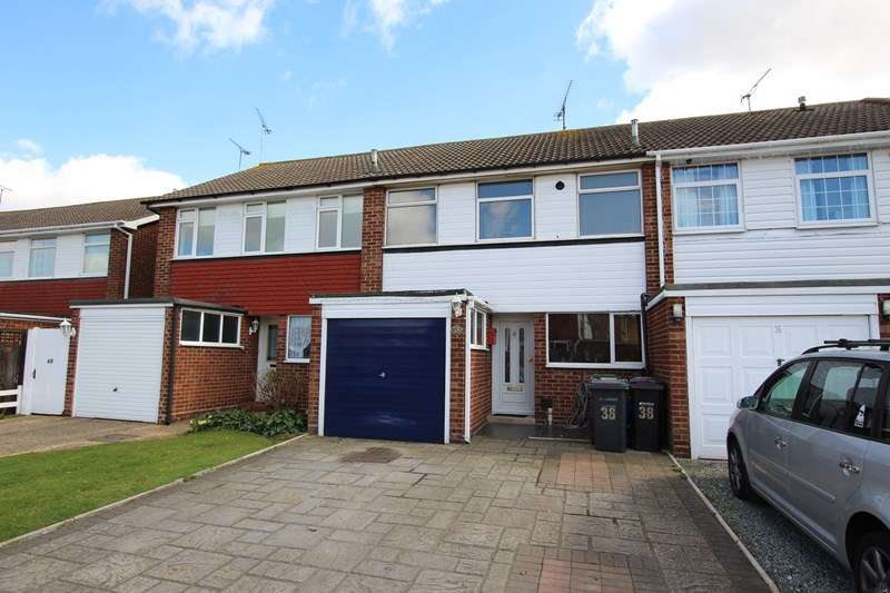 3 Bedrooms Terraced House for sale in Village Location, Great Wakering