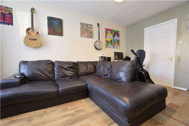 3 Bedrooms Terraced House for rent in Bloy Street, BRISTOL, BS5