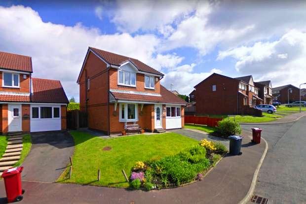 4 Bedrooms Detached House for sale in Priory Grange, Darwen, Lancashire, BB3 3PZ