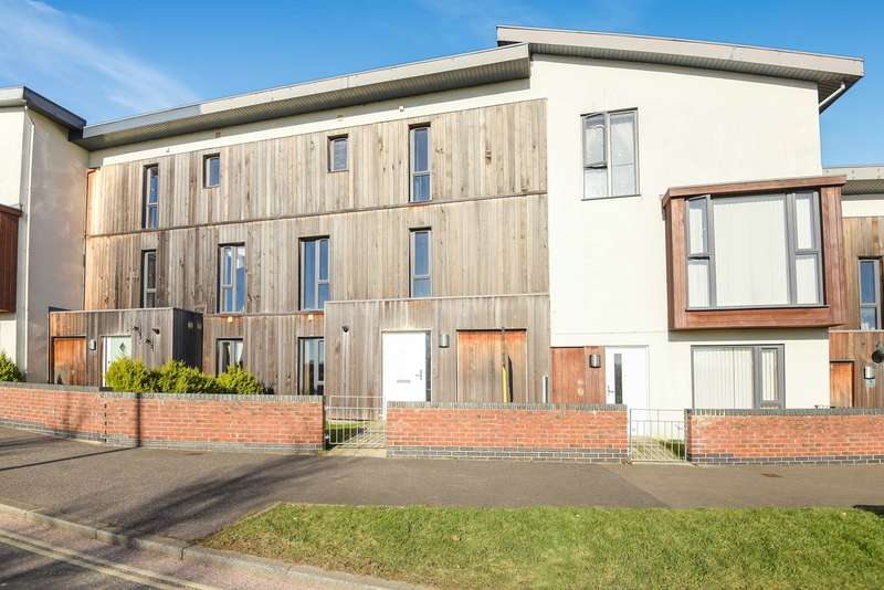 4 Bedrooms Town House for sale in Banbury Way, Merton Rise, Basingstoke, RG24