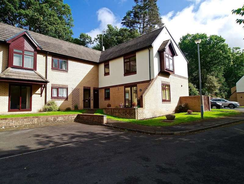 2 Bedrooms Flat for sale in Maidens Croft, Hexham