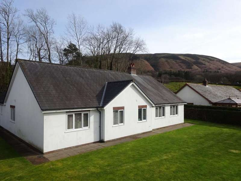 3 Bedrooms Detached Bungalow for sale in Llandinam, Powys