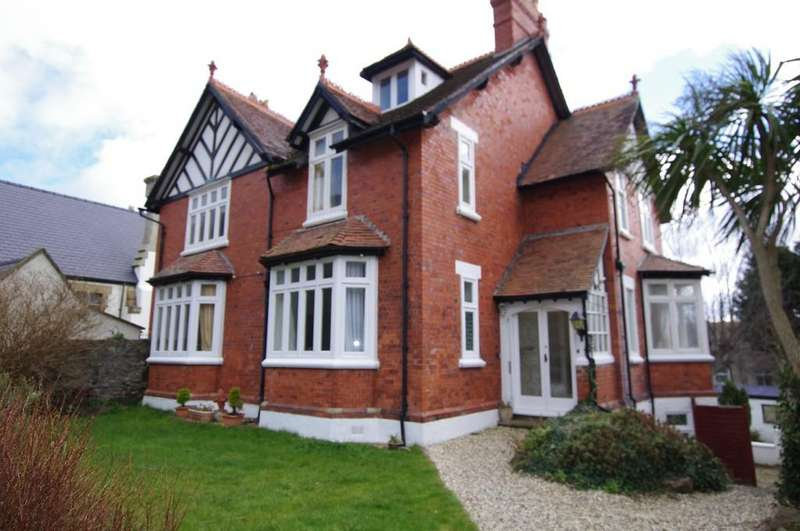 5 Bedrooms Detached House for sale in Church Walks, Llandudno