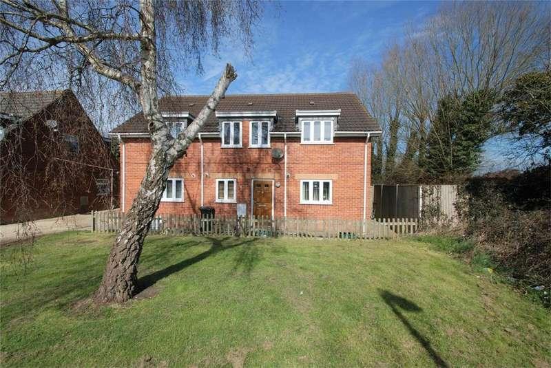 2 Bedrooms Terraced House for sale in Braydon Avenue, Little Stoke, Bristol, Gloucestershire