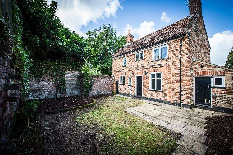 3 Bedrooms Detached House for sale in Ballygate, Beccles