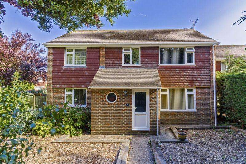 5 Bedrooms Detached House for sale in Teign Walk, Worthing