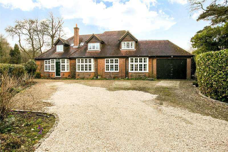 4 Bedrooms Detached House for sale in Christmas Common, Watlington, Oxfordshire, OX49