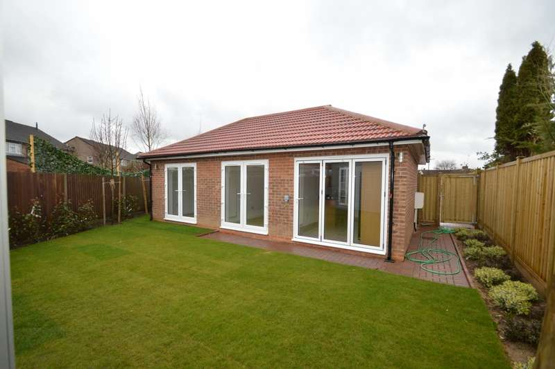 2 Bedrooms Bungalow for sale in Seacourt Road, Langley, SL3