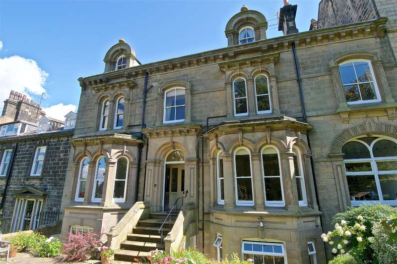 3 Bedrooms Maisonette Flat for sale in West View, Ilkley, LS29