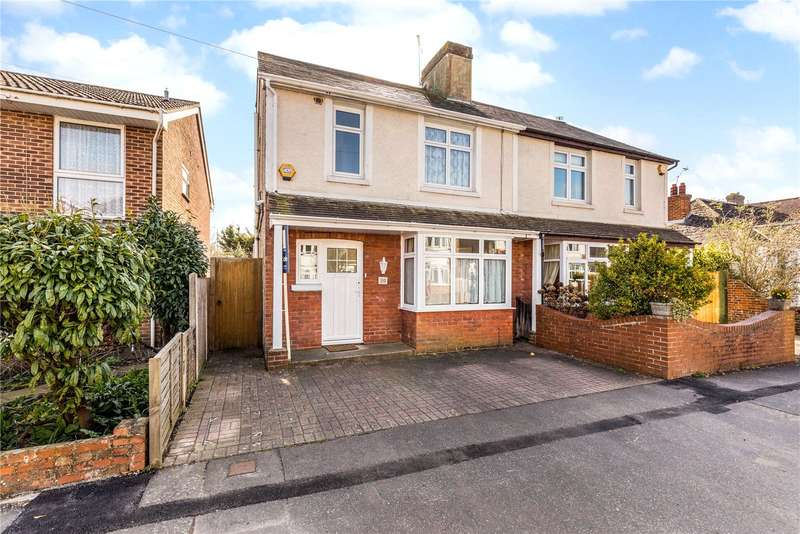 4 Bedrooms Semi Detached House for sale in Kings Avenue, Chichester, West Sussex, PO19