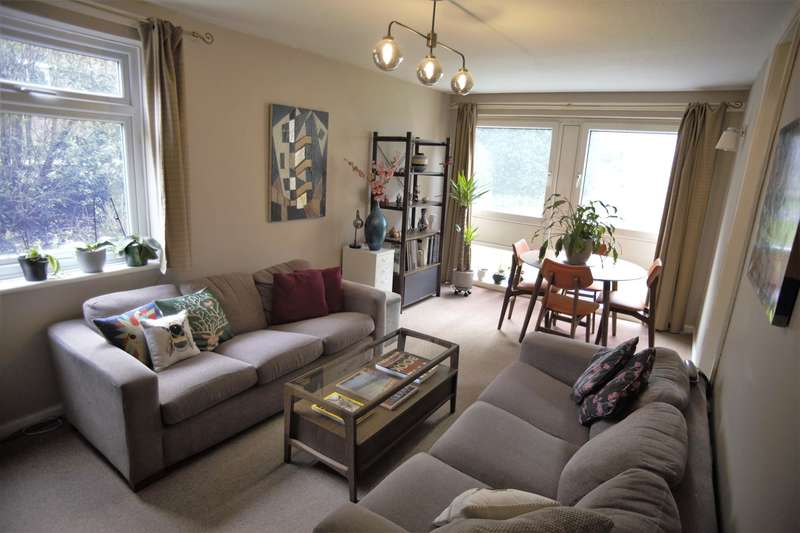 2 Bedrooms Apartment Flat for sale in Manchester Road, Bury, Lancashire, BL9