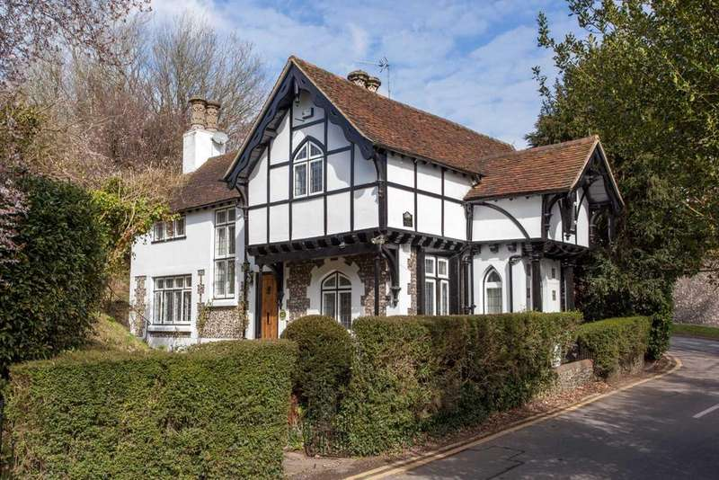 3 Bedrooms Detached House for sale in Warren Lodge, St Peters Hill, Caversham