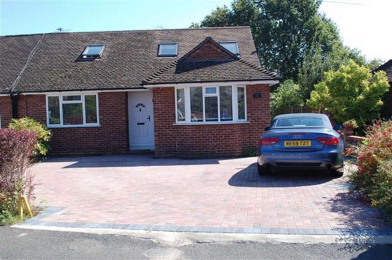 4 Bedrooms Semi Detached Bungalow for sale in Burleigh Close, Addlestone, Surrey