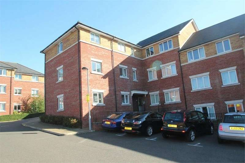 2 Bedrooms Flat for sale in Ratcliffe Court, Colchester, CO4