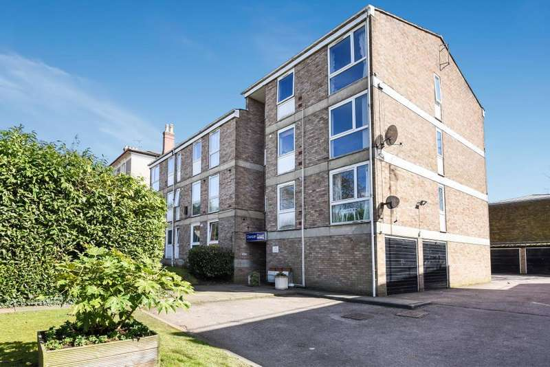 2 Bedrooms Flat for sale in Nether Street, North Finchley, N12