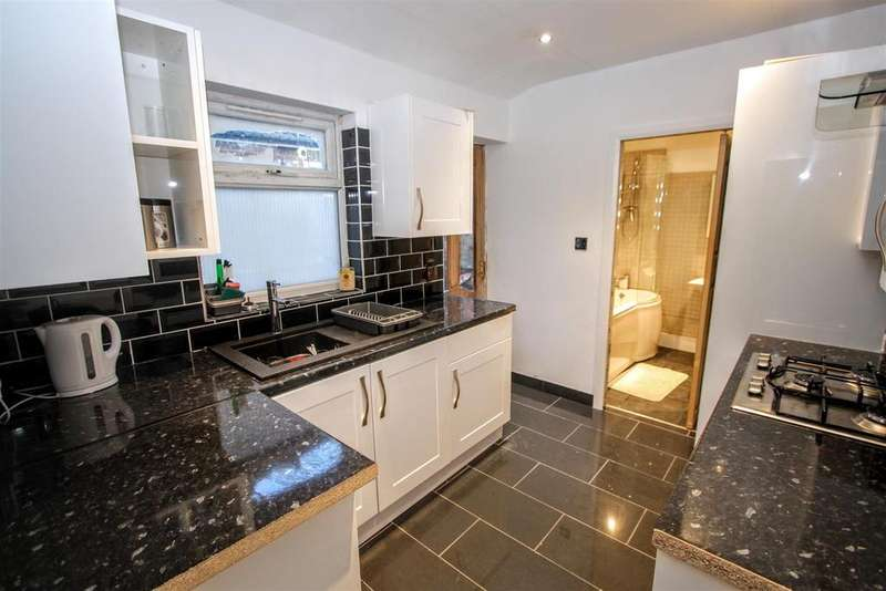 2 Bedrooms Terraced House for sale in Borough Road, Darlington