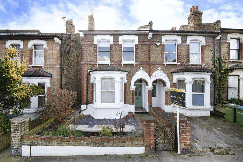 3 Bedrooms End Of Terrace House for sale in Delafield Road, Charlton