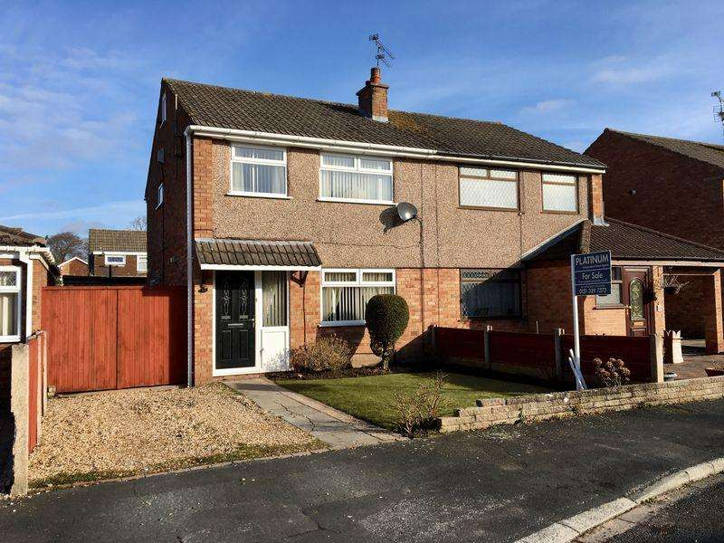 3 Bedrooms Semi Detached House for sale in Starbeck Drive, Little Sutton