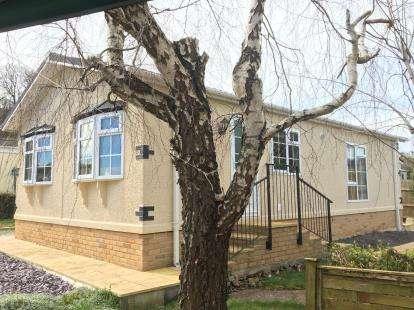2 Bedrooms Bungalow for sale in Edginswell Lane, Torquay, Devob