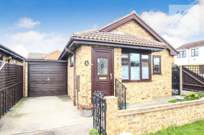 2 Bedrooms Bungalow for sale in Lionel Road, Canvey Island - IDEAL FOR TOWN