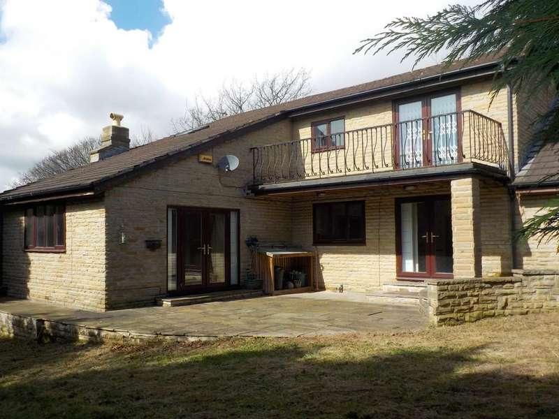 4 Bedrooms Detached House for sale in Firbank, Dewsbury