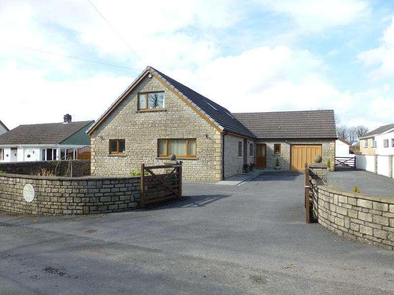 5 Bedrooms Detached House for sale in Heol Ddu Ammanford, Carmarthenshire.