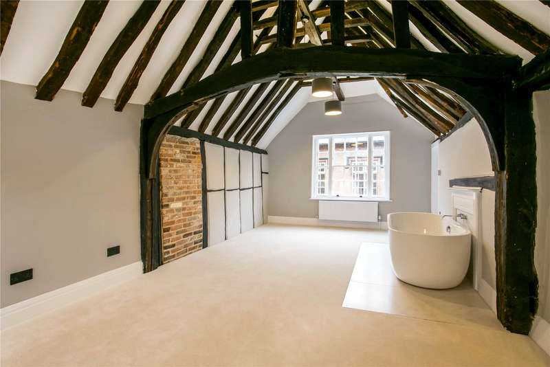 3 Bedrooms House for sale in Church Street, Chesham, Buckinghamshire, HP5