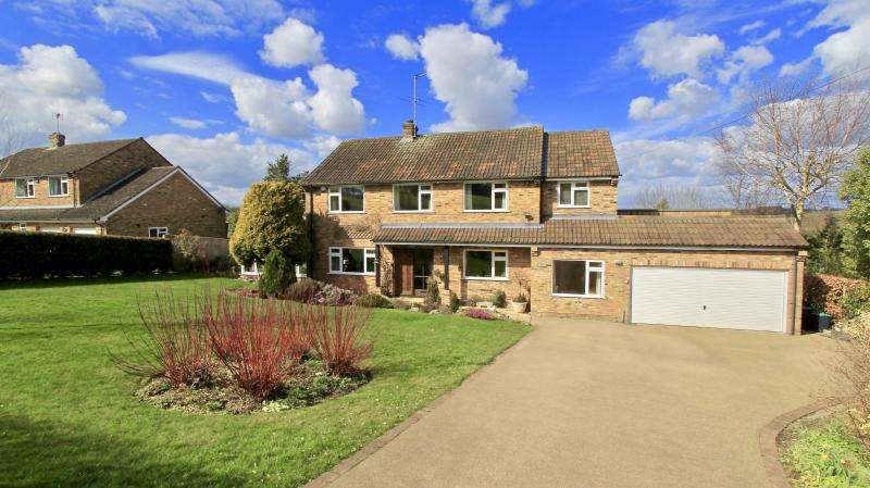 4 Bedrooms Detached House for sale in Hare Lane, Little Kingshill HP16