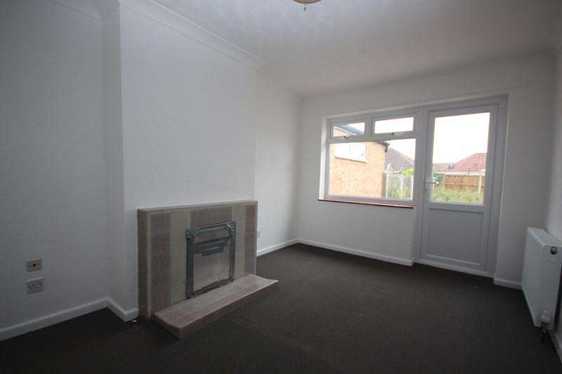 2 Bedrooms Bungalow for rent in Chilburn Road, Great Clacton, Clacton-On-Sea