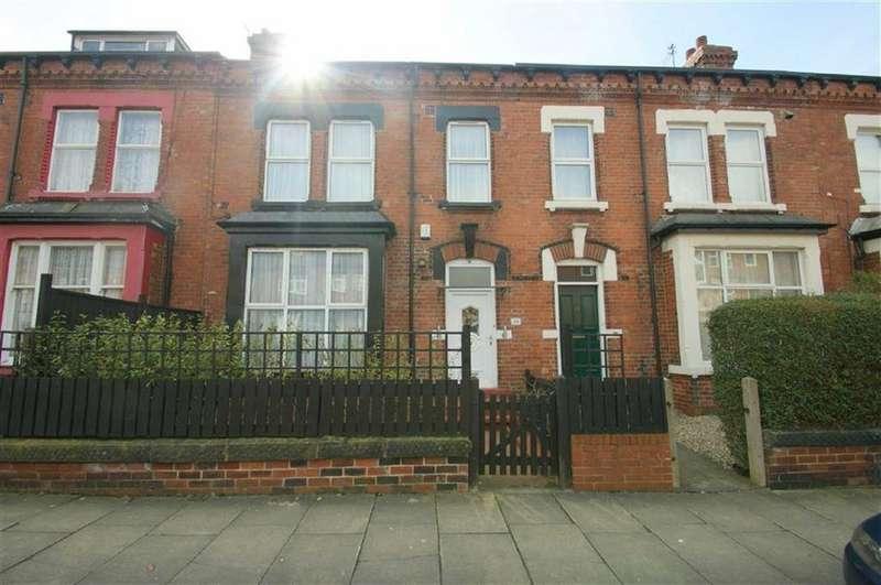 5 Bedrooms Terraced House for sale in Grange Terrace, LS7