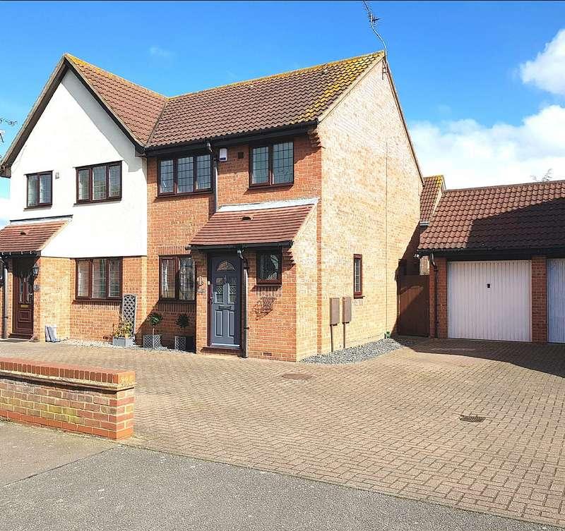 3 Bedrooms Semi Detached House for sale in Coburg Lane, Langdon Hills, Langdon Hills, Essex, SS16 6TH