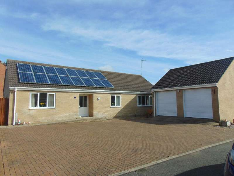 3 Bedrooms Detached Bungalow for sale in Thurloe Close, Wisbech, Cambs, PE13 2PN