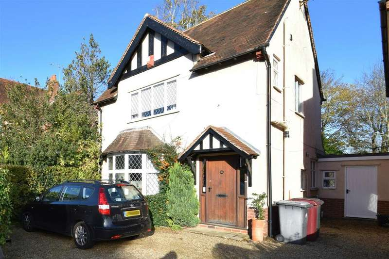 3 Bedrooms Detached House for sale in Woodcote Road, Caversham, Reading