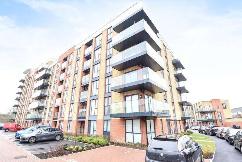 2 Bedrooms Flat for sale in Oscar Wilde Road, Town Centre, Reading, RG1