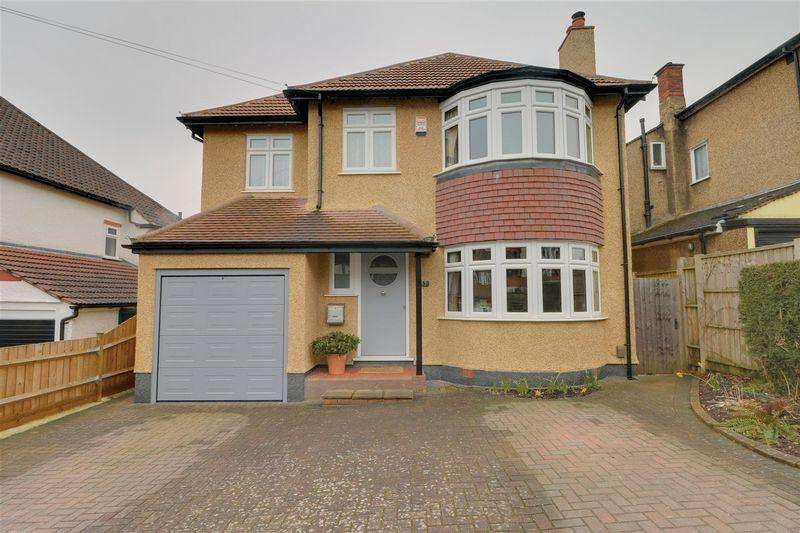4 Bedrooms Detached House for sale in The Vale, Coulsdon