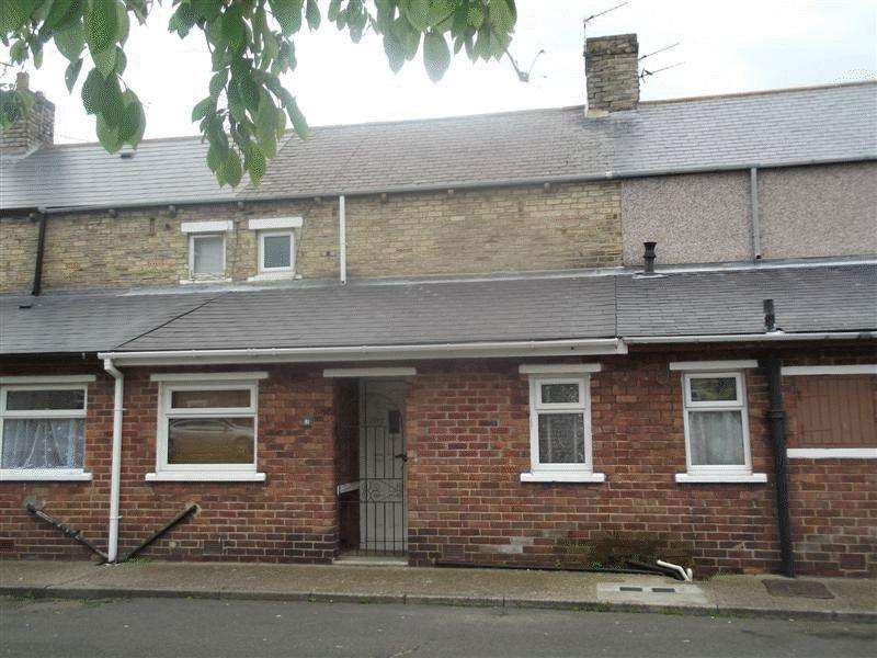 2 Bedrooms Terraced House for sale in Chestnut Street, Ashington, Two Bedroom Mid Terrace.