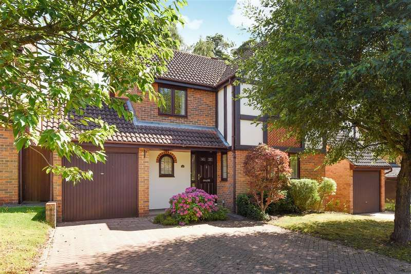 4 Bedrooms Detached House for sale in The Brackens, Pine Ridge, Crowthorne