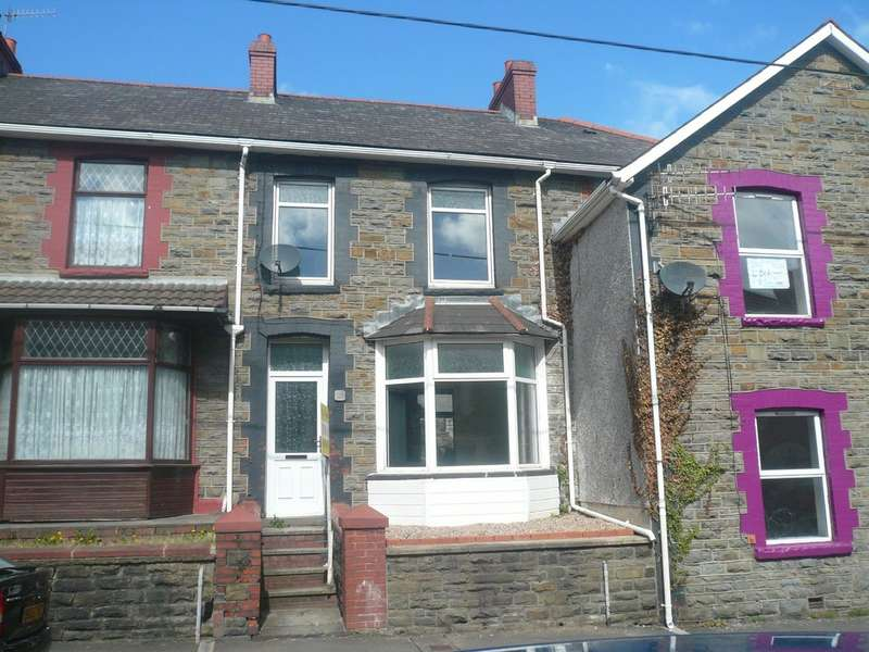 3 Bedrooms Terraced House for rent in Brynmair Road, Godreaman. CF44
