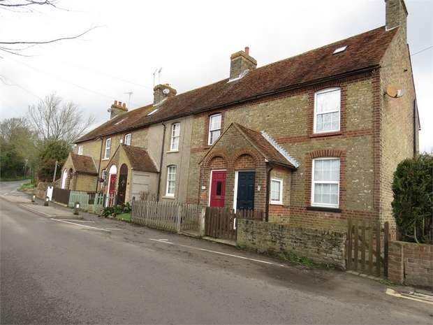 2 Bedrooms Terraced House for sale in Pond Cottages, Tunstall Road, Tunstall, SITTINGBOURNE, Kent