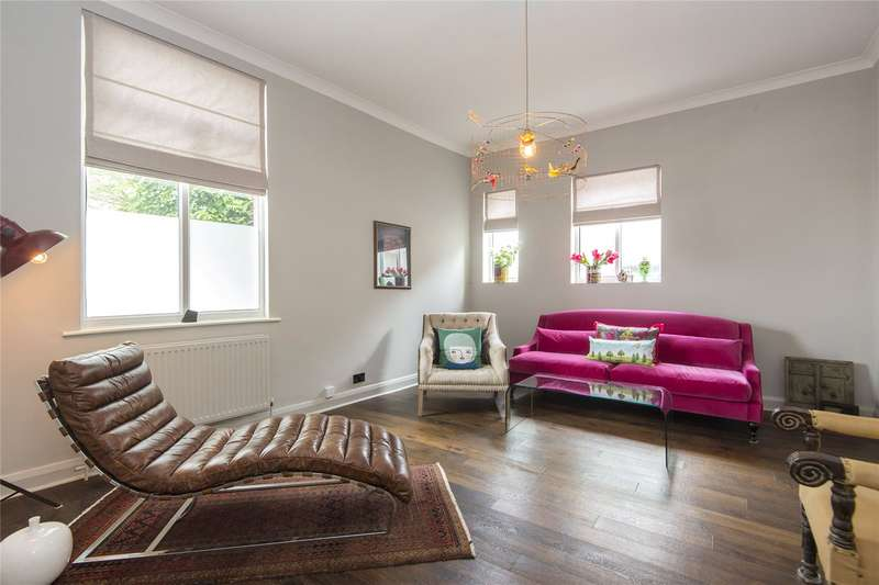 4 Bedrooms House for sale in Mulberry Way, London, E18